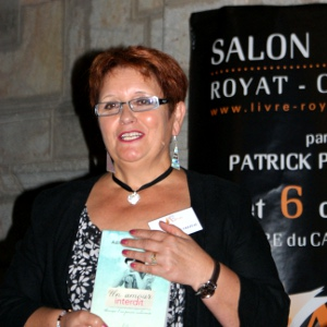MAÏA DE FREITAS Adilia, présente au Salon du Livre Royat Chamalières.