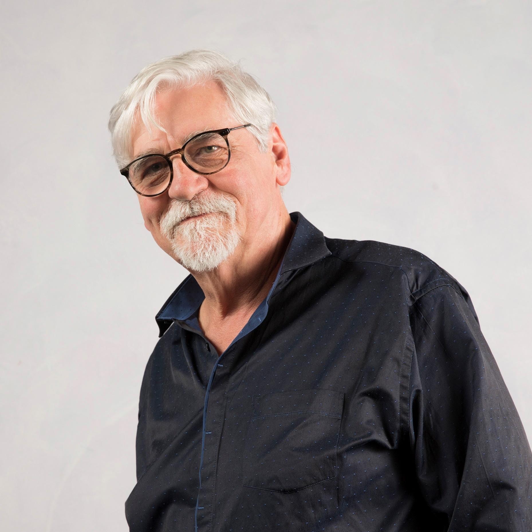 Portrait de Jean-Paul MALAVAL - auteur présent au Salon du Livre de Royat-Chamalières 2019