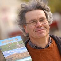 Portrait de Francis DEBAISIEUX - auteur présent au Salon du Livre de Royat-Chamalières 2019