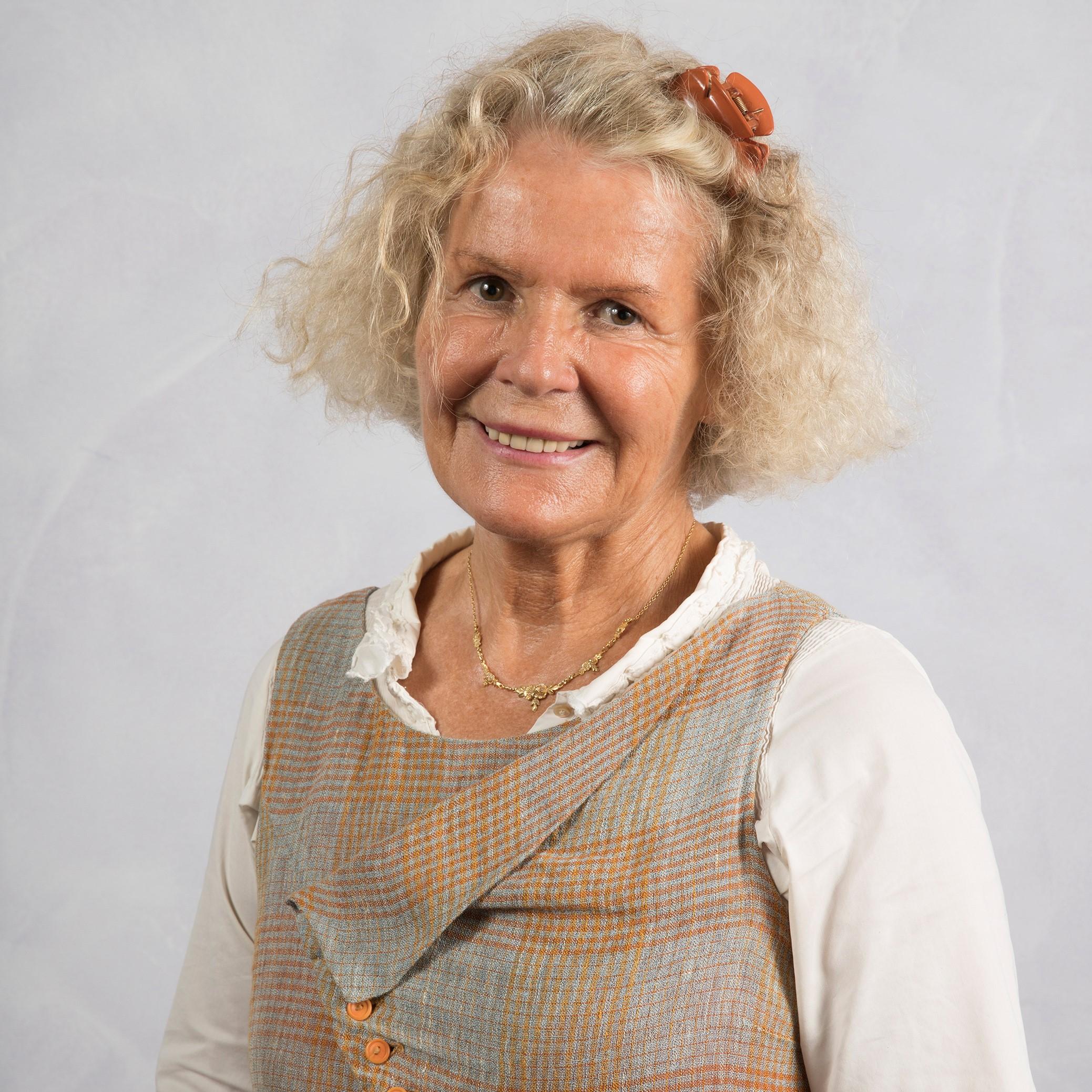 Portrait de Clotilde BERNOS - autrice présente au Salon du Livre de Royat-Chamalières 2020